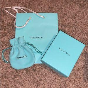 Tiffany & Co box, duster bag, small sales bag set